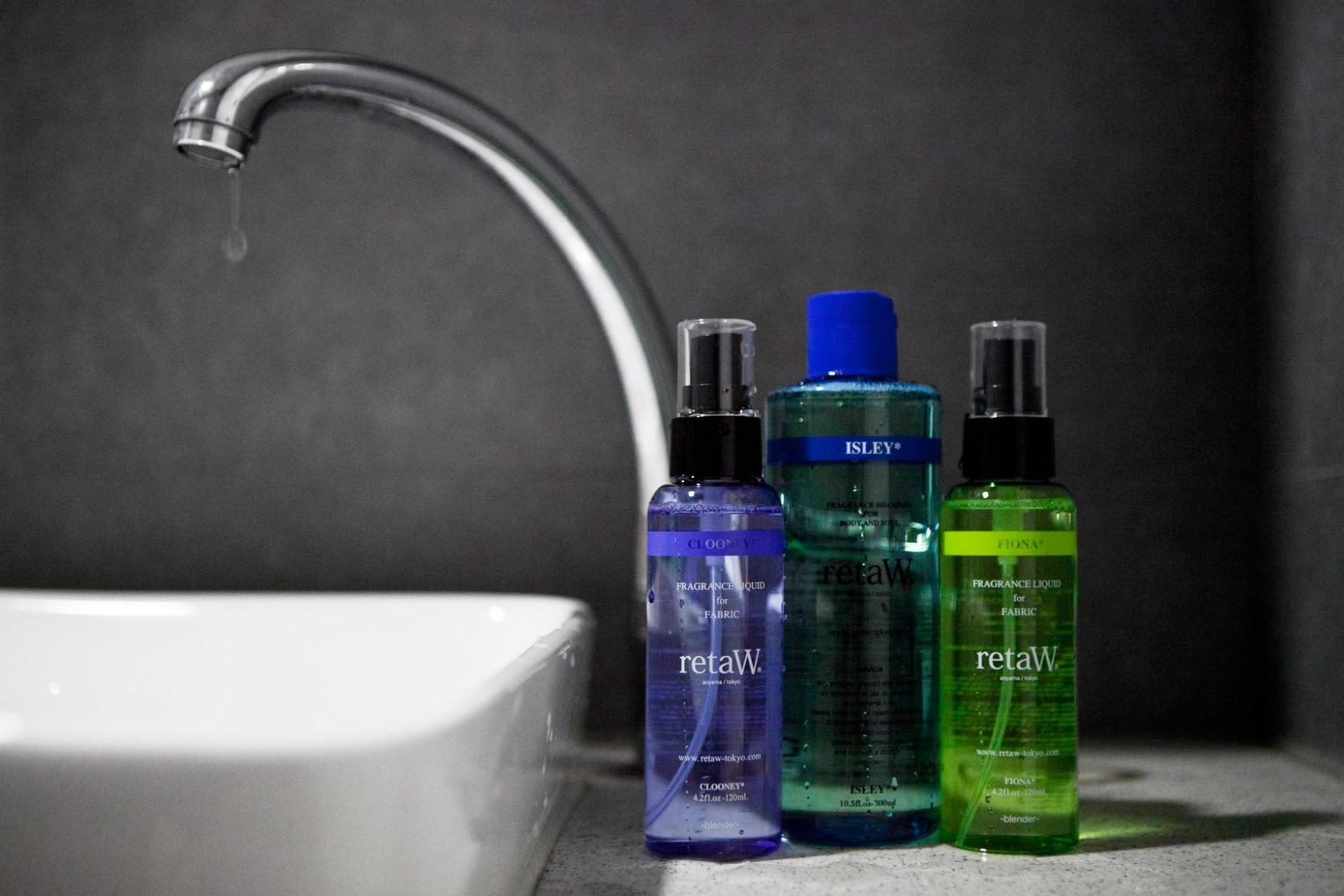 retaW Bathroom Set