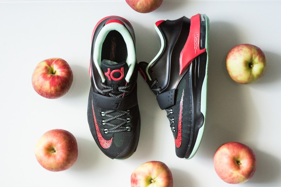 "A Closer Look at the Nike KD7 ""Good Apples"" 