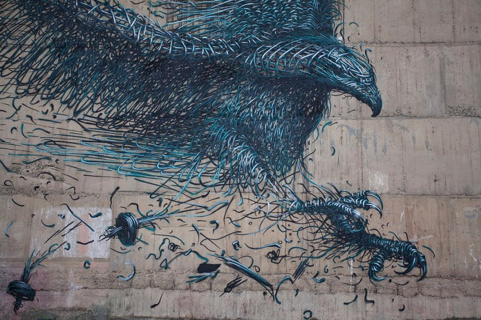 """DALeast Creates a Massive """"Defoliation"""" Mural in New Zealand to Honor the Haast's Eagle"""