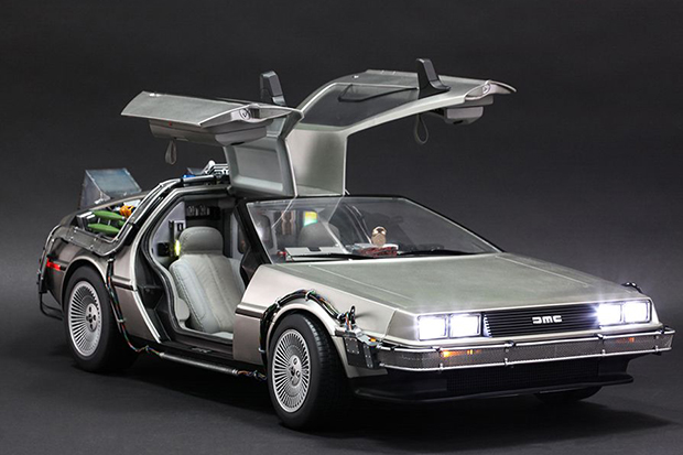 Hot Toys x Back to the Future DeLorean Time Machine Collectible