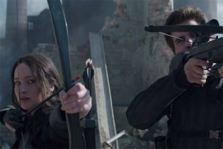 "The Hunger Games: Mockingjay Part 1 ""The Mockingjay Lives"" Trailer"