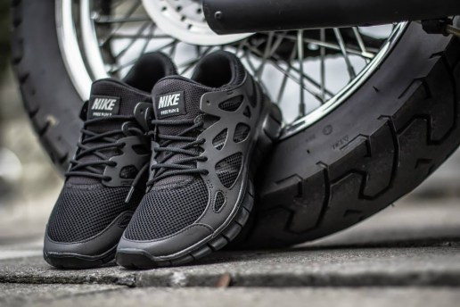 "Nike Free Run 2 ""Triple Black"""