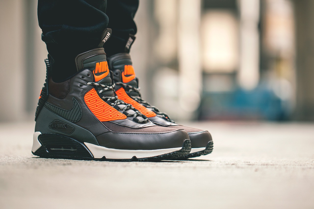 nike air max 90 ice boots