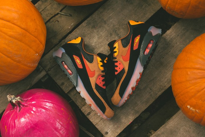 """A Closer Look at the Nike Air Max 90 Ice """"Halloween"""""""