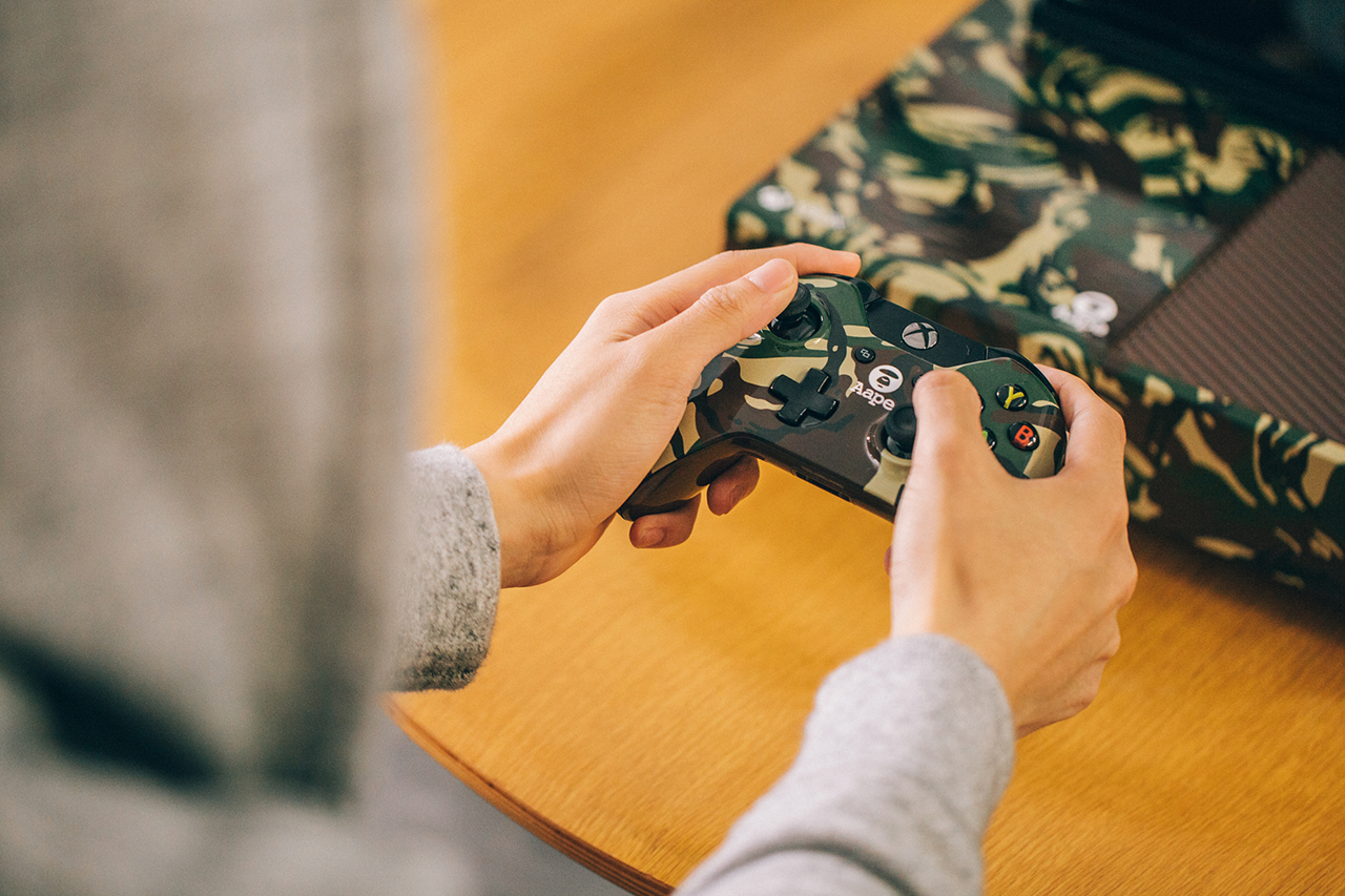 """A Closer Look at the Xbox One """"AAPE by A Bathing Ape"""" Edition"""