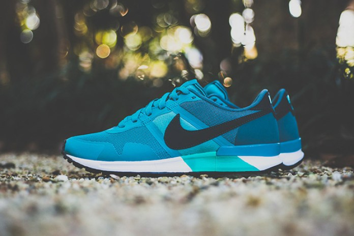 "Nike Air Pegasus 83/30 ""Catalina"""