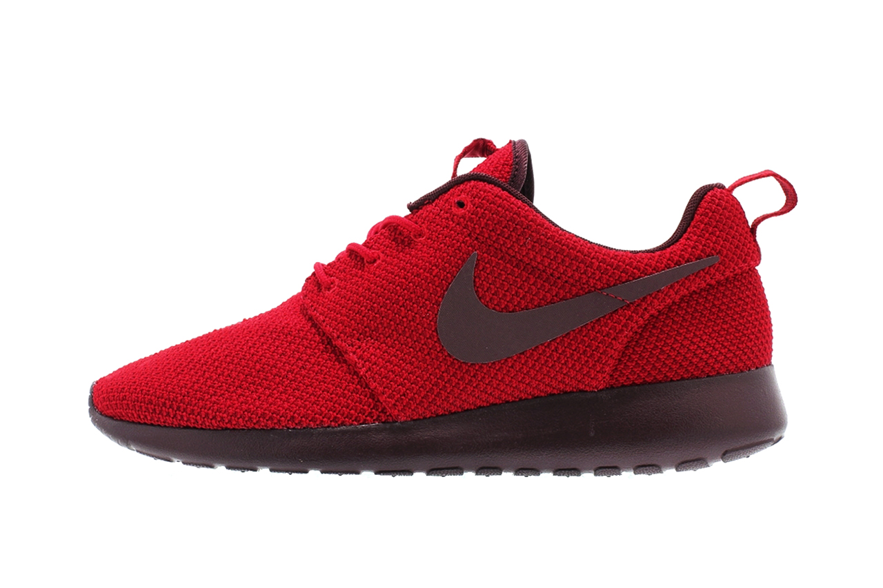 a9b65e353caec Nike Roshe Run Galaxy Footlocker