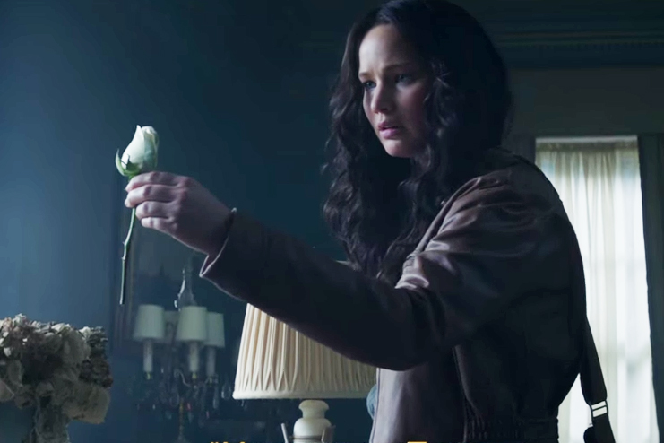 """The Hunger Games: Mockingjay - Part 1 """"Return to District 12"""" Trailer"""