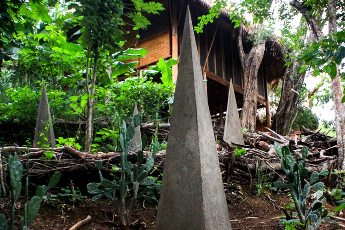 Tofer Chin's Fifteen Grey Installations in Maderas Village, Nicaragua