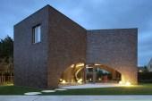 Villa Moerkensheide by Dieter De Vos Architecten