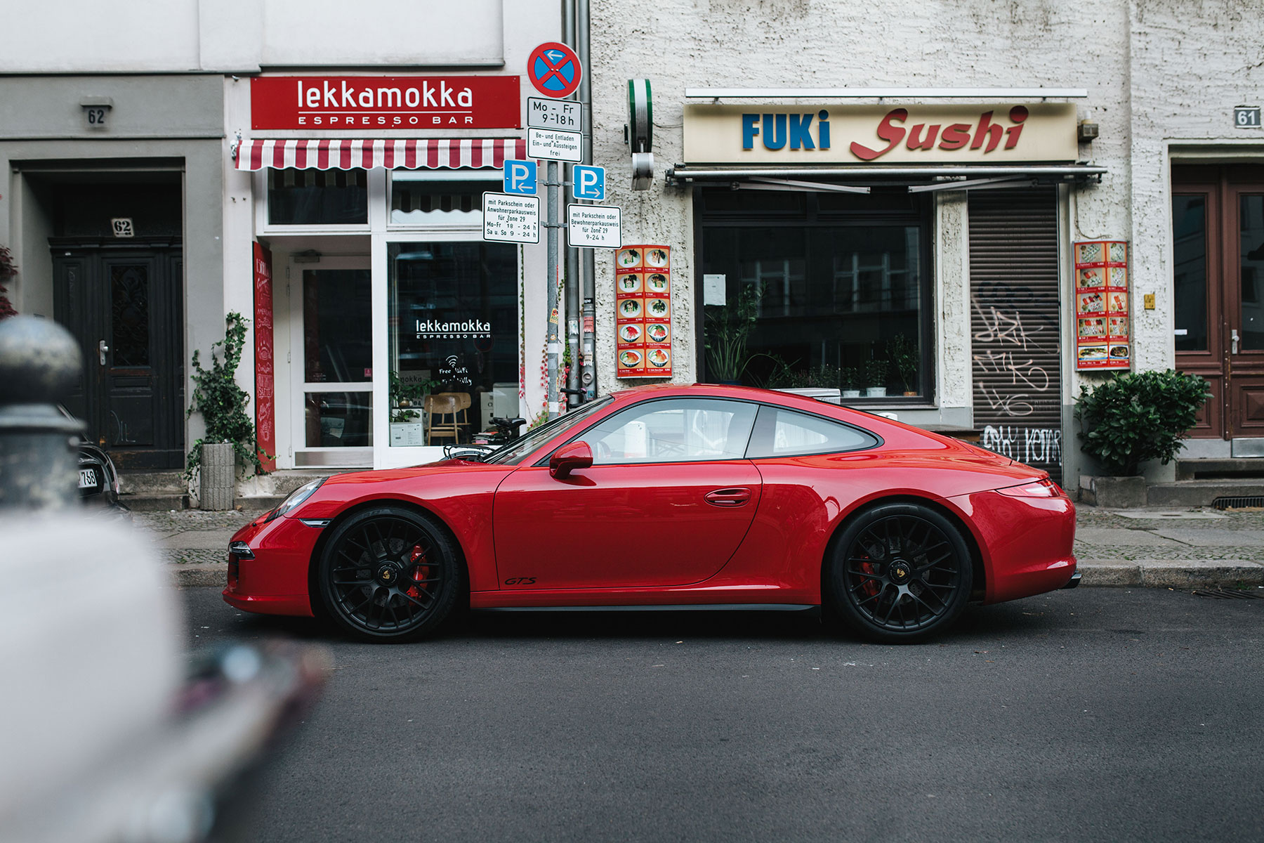 A Closer Look at the 2015 Porsche 911 Carrera GTS