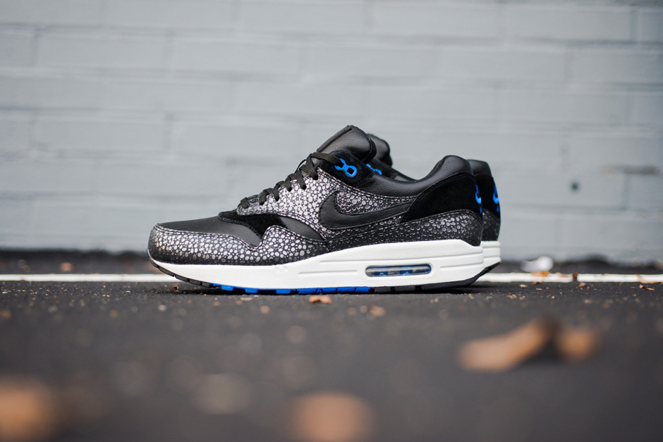 "A Closer Look at the Nike Air Max 1 Deluxe ""Hyper Cobalt Safari"""