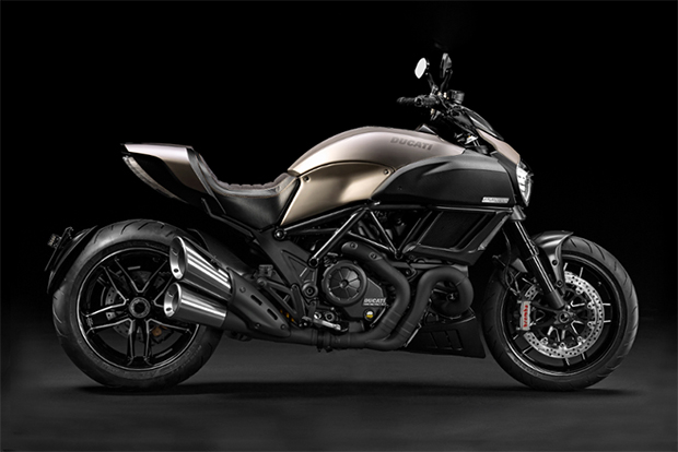 Ducati Diavel Titanium Motorcycle Unveiled at EICMA 2014