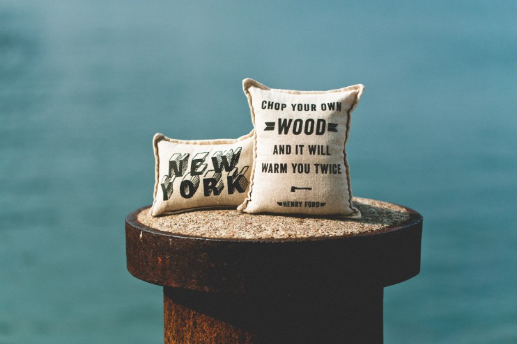 IZOLA 2014 Fall/Winter Balsam Pillows