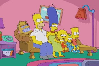 Watch The Simpsons x Futurama Crossover Couch Gag