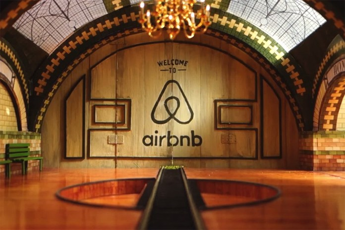 """""""Welcome to Airbnb"""" Ad Completely Handmade and Shot in One Take, Features Real Listings"""