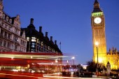40 Photographers Explore London with an Amazing Timelapse