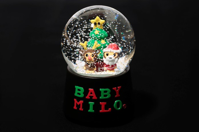 A Bathing Ape X'MAS BABY MILO MUSIC BOX SNOWDOME