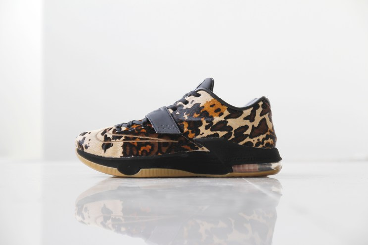 """A Closer Look at the Nike KD7 EXT """"Longhorn State"""""""