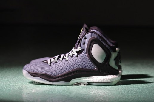 "adidas D Rose 5 Boost ""Bad Dreams"""