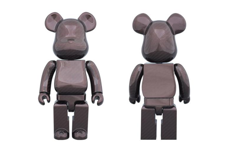 Amirex x Medicom Toy 400% Dry Carbon Red Bearbrick
