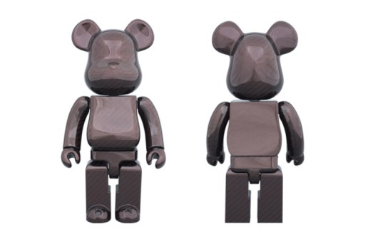 Amirex x Medicom Toy 400% Dry Carbon Red Bearbrick