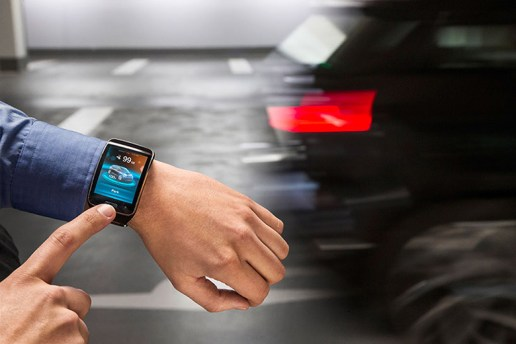 BMW 2015 Smartwatch Will Valet and Park Your Car