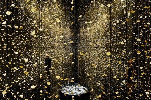 """LIGHT IS TIME"" Installation is Composed of 80,000 Watch Parts"