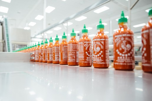"Process: Sriracha's Famous Coc... ""Rooster"" Sauce"