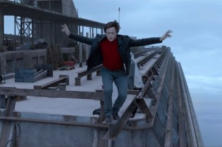 The Walk Teaser Trailer starring Joseph Gordon-Levitt