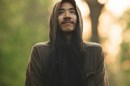 Watch a Steve Aoki Impersonator Troll Festival Goers at Stereosonic