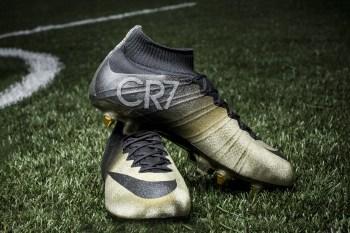 """Nike Presents Cristiano Ronaldo with Congratulatory Mercurial CR7 """"Rare Gold"""""""