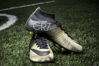 "Nike Presents Cristiano Ronaldo with Congratulatory Mercurial CR7 ""Rare Gold"""