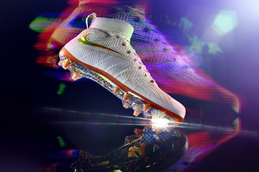"Nike Super Bowl XLIX ""On Field"" Collection"