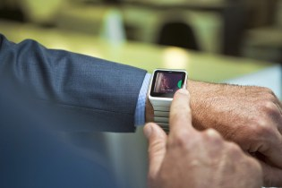 Sony Unveils 2015 Stainless Steel SmartWatch 3