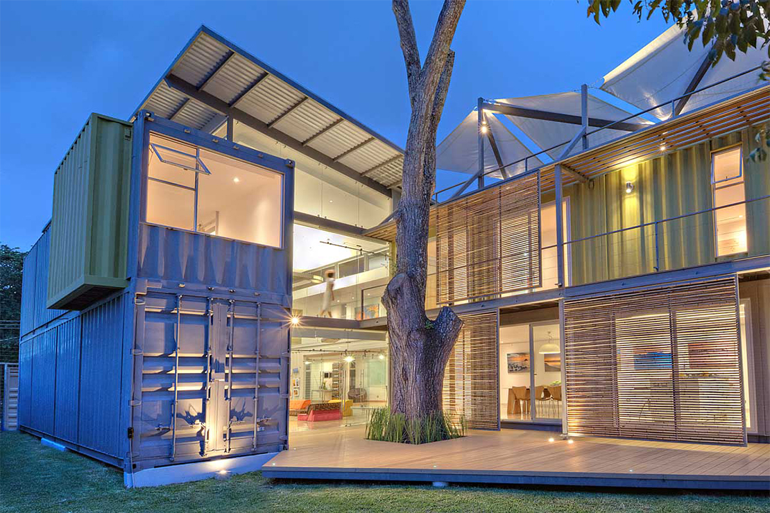 "The Shipping Container-Constructed ""Casa Incubo"" by Maria Jose Trejos"