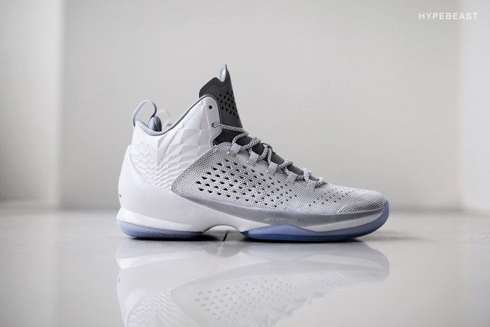 """A Closer Look at the Jordan Brand 2015 """"Pearl"""" Collection"""