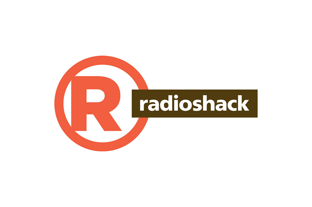 Amazon Reportedly Wants to Buy RadioShack Stores to Compete with Apple