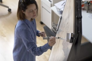 Equil Smartmarker Makes Whiteboard Notes Digital