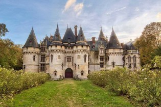For $5 Million USD You Can Own a Castle with a Moat