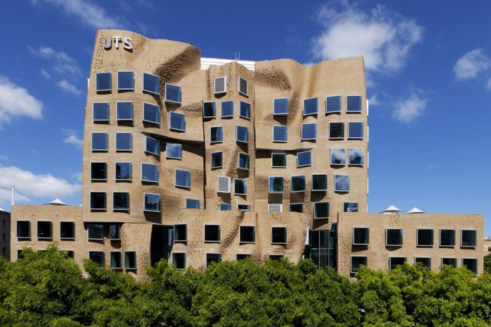 """Frank Gehry's """"Crumpled Bag"""" Building"""