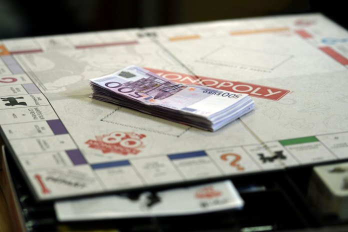 Hasbro Includes Real Money in Special Edition Monopoly