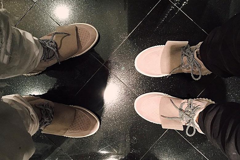adidas Yeezy Boost 350 V2 Oreo UK 9.5
