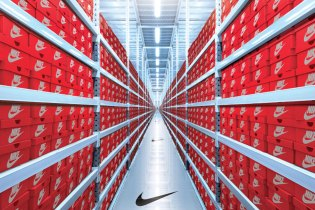 Nike.com Launches Assist Service Bridging Store and Web