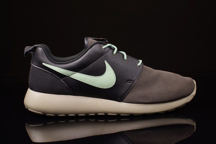 "Nike Roshe Run ""Midnight Fog"""