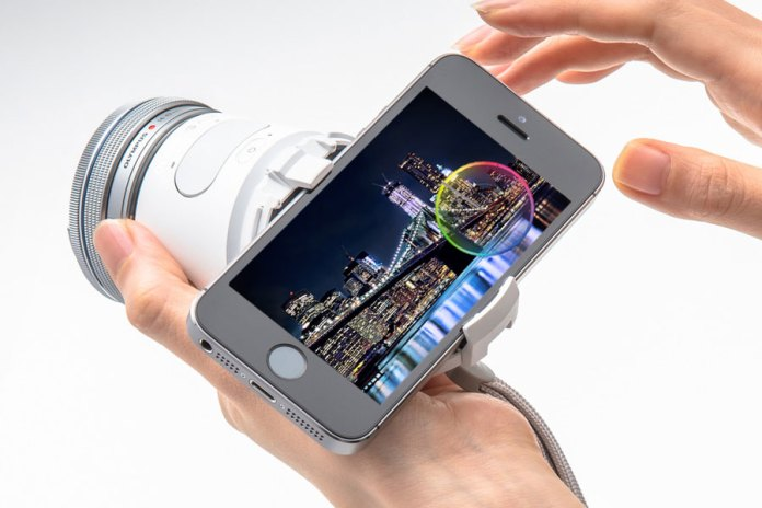 Olympus Air A01 Offers Varying Lens Quality and Connects to Your Smartphone