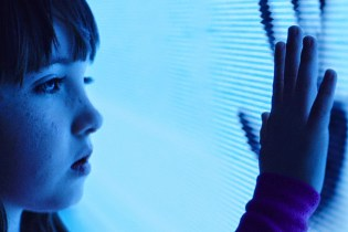 'Poltergeist' Official Trailer