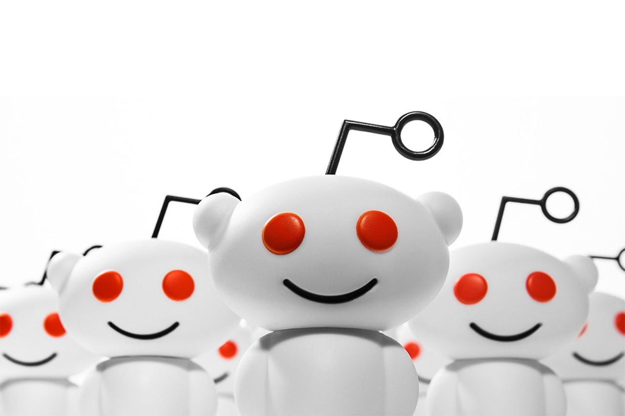 reddit Releases Its Mascot Snoo As a Vinyl Toy