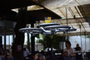 Singapore Restaurant Uses Autonomous Drone Waiters