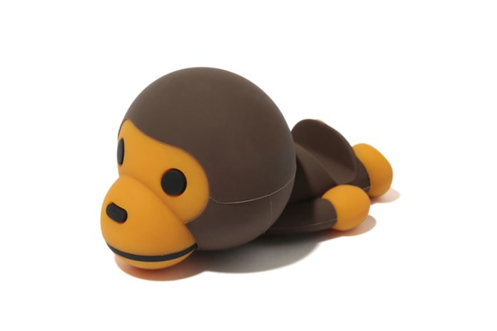 A Bathing Ape x Candies BABY MILO Smartphone Stand